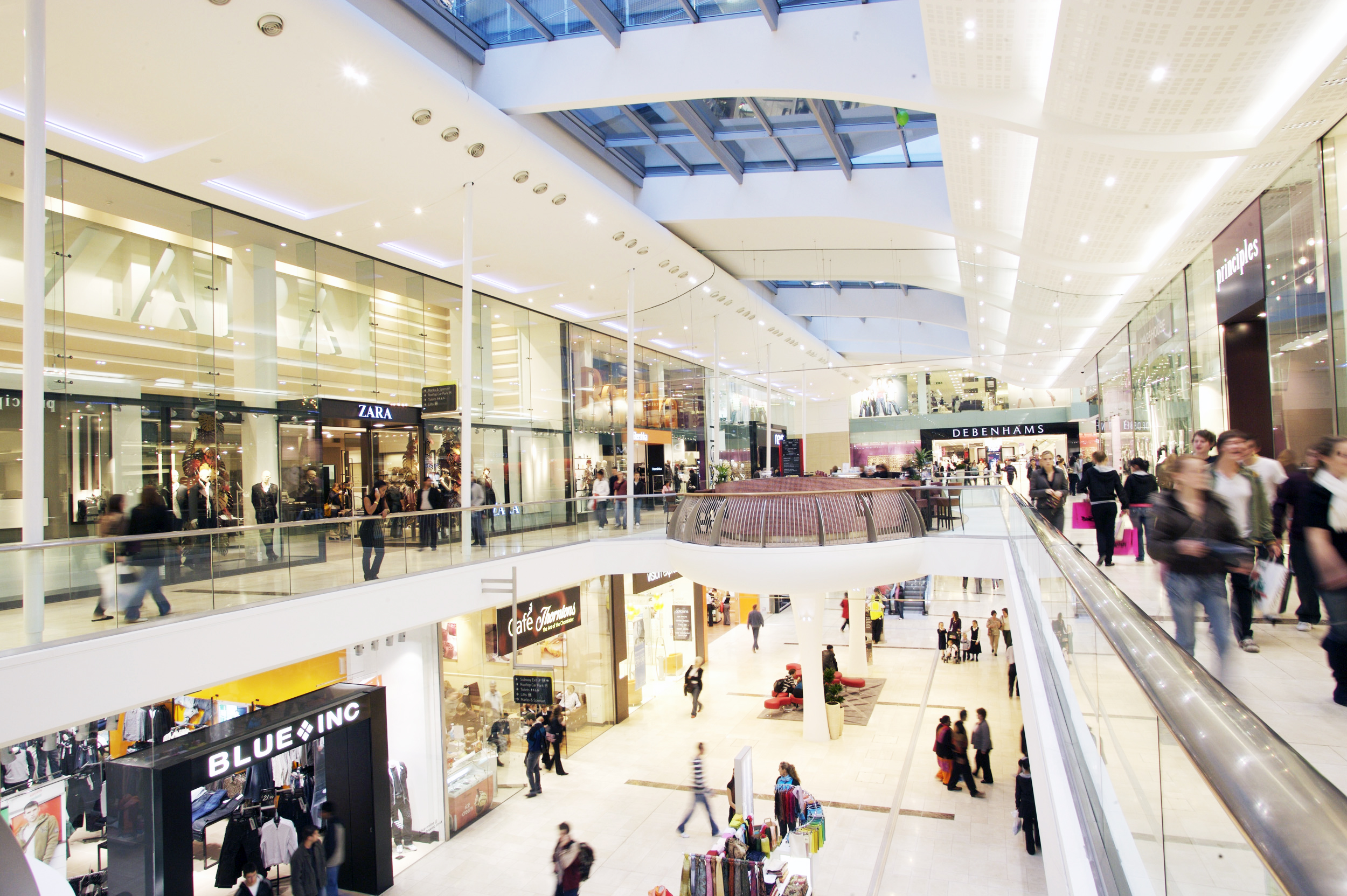 Promotion and on-mall retail opportunities in shopping centres