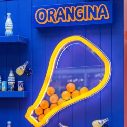 Orangina at Victoria Train Station_thumbnail
