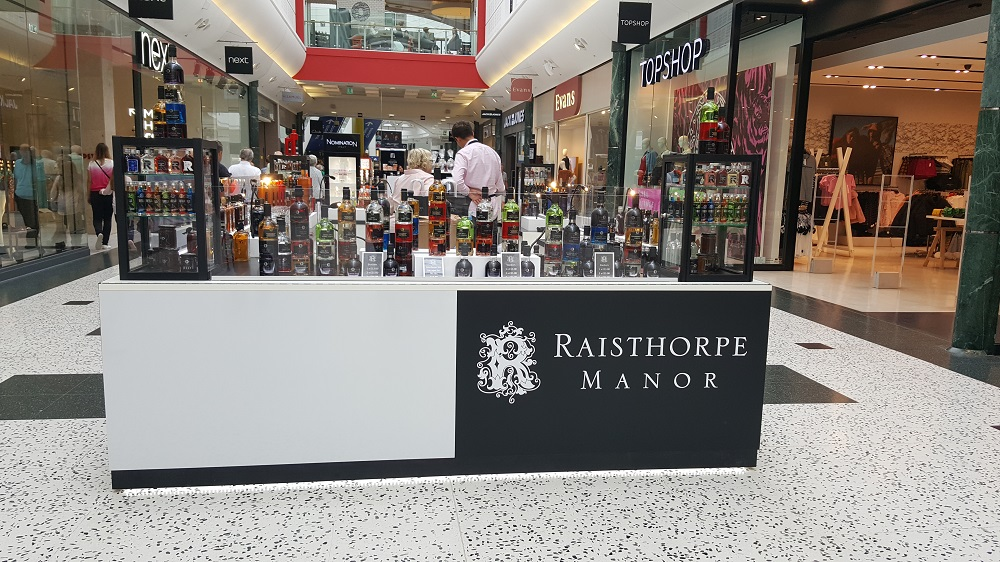 Raisthorpe Gin on-mall retail kiosk_White Rose shopping centre Leeds
