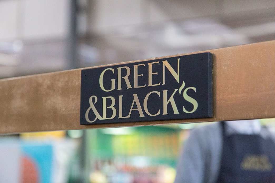 Green and Blacks Experiential Sampling Sign_London Bridge