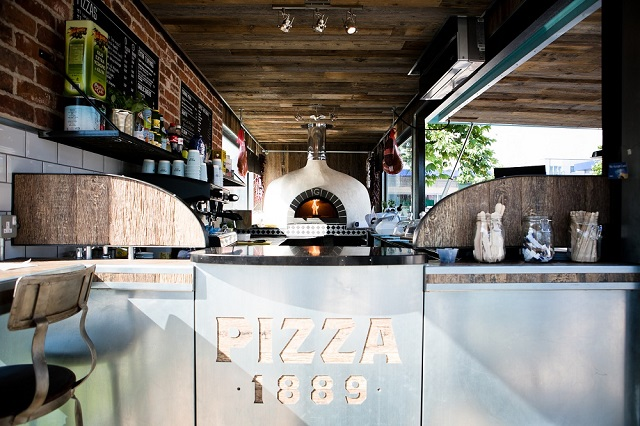 The outlet operates from a specially designed 40ft 10 tonne shipping container holding a state-of-the-art six-foot stone oven