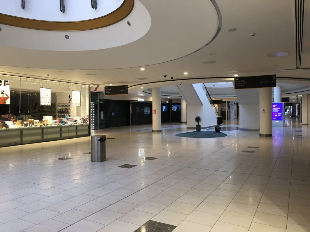 Retail site LM07 at Lakeside Shopping for Pop-up. Suitable for personlised items popup, handmade products popup, jewellery popup, handbags popup, vape popup