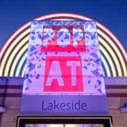 Book pop-up retail space at Lakeside Shopping Centre